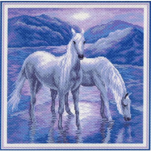"""Канва/ткань с нанесенным рисунком Матрёнин посад """"Белые лошади"""""""